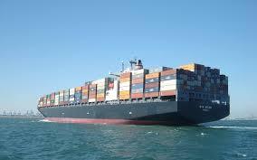 carguero con containers